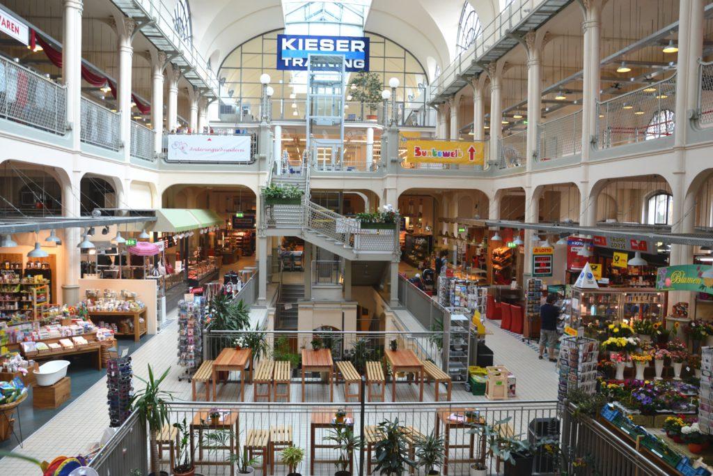 Areál slavné tržnice Market hall ve čtvrti Neustadt.